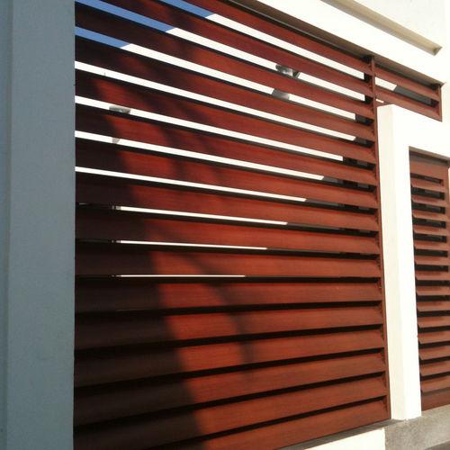 Celosía con lamas de aluminio / para fachada / horizontal / orientable ATENEA Persax