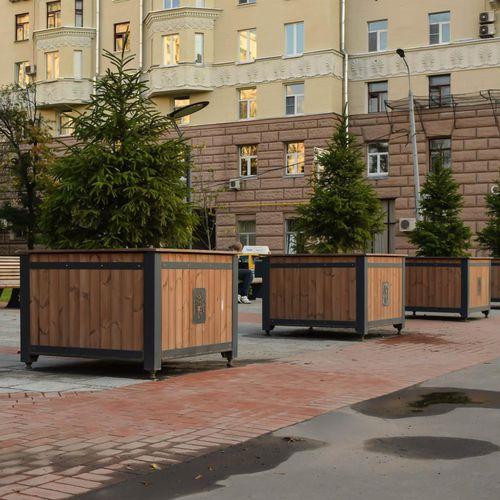 jardinera de madera / de acero con revestimiento en polvo / cuadrada / moderna