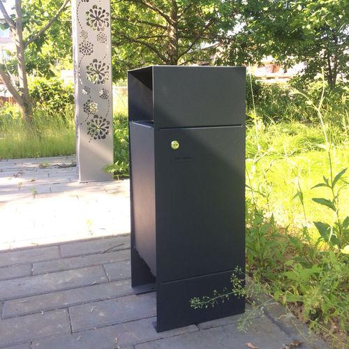 cubo de basura público / de acero con revestimiento en polvo / de pino / moderno