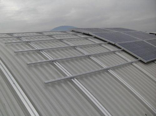 Estructura de soporte para cubierta de tejas / para cubierta plana / para techo / para aplicaciones fotovoltaicas CURVED Alubel