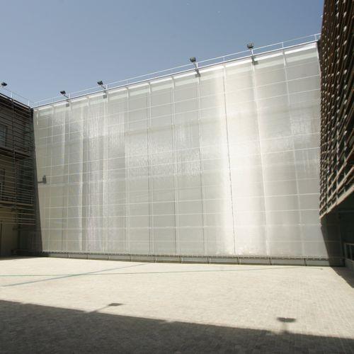 tela metálica tejida para fachada / para muro / para techo / para pantalla solar