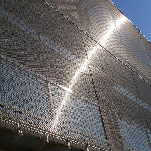 tela metálica tejida para pantalla solar / para muro / para muro-cortina / de acero inoxidable