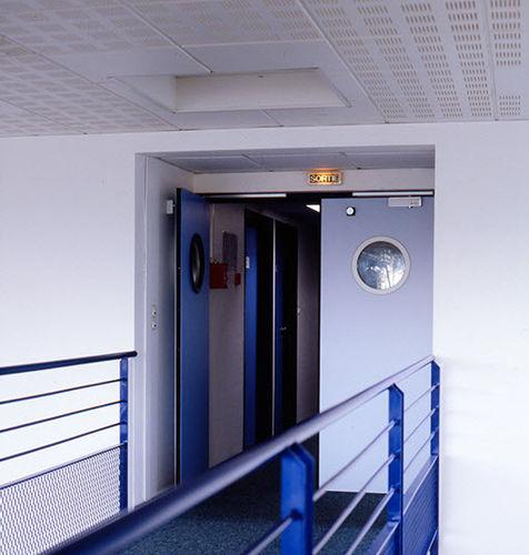 puerta de interior / abatible / de madera / antiincendios