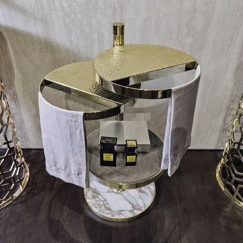 toallero de anillo / de pie / de metal / de mármol