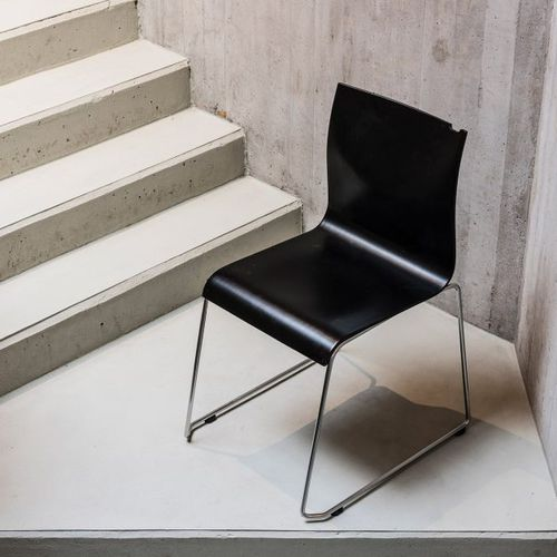silla de visita moderna / apilable / de contrachapado moldeado / para uso residencial