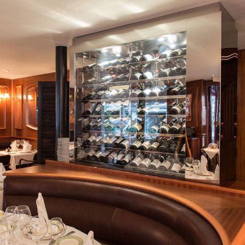 vinoteca profesional / empotrable / de acero inoxidable / a medida