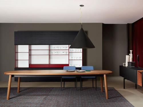 mesa moderna / de madera maciza / de fresno / ovalada