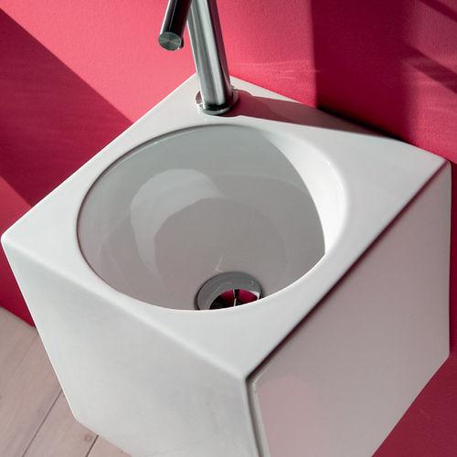 lavamanos suspendido / cuadrado / de cerámica