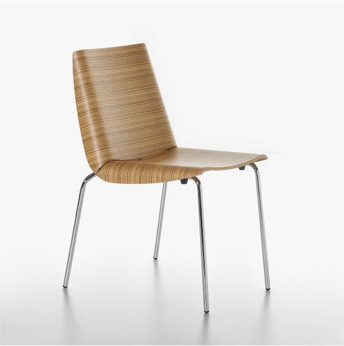 silla clásica / con reposabrazos / apilable / de contrachapado moldeado