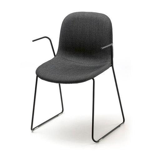 silla de visita de diseño escandinavo / con reposabrazos / tapizada / patín