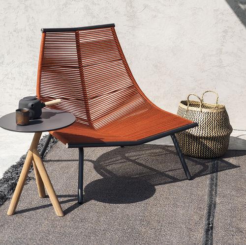 sillón bajo moderno / de acero inoxidable / de poliéster / con respaldo alto