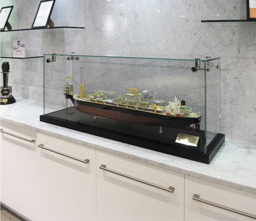 Vitrina moderna / en encimera / de madera / de vidrio CTG001 Shopkit