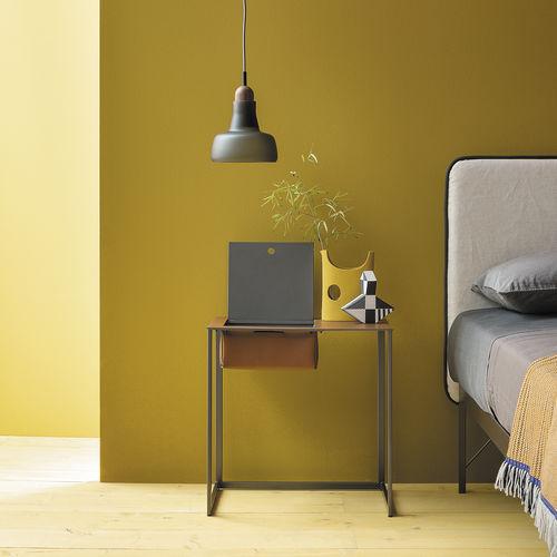 mesilla de noche moderna / de acero pintado / de cuero / rectangular