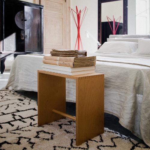 taburete moderno / de abedul / de madera lacada / de madera barnizada