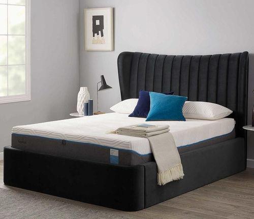 cama extragrande / clásica / tapizada / con cabecero