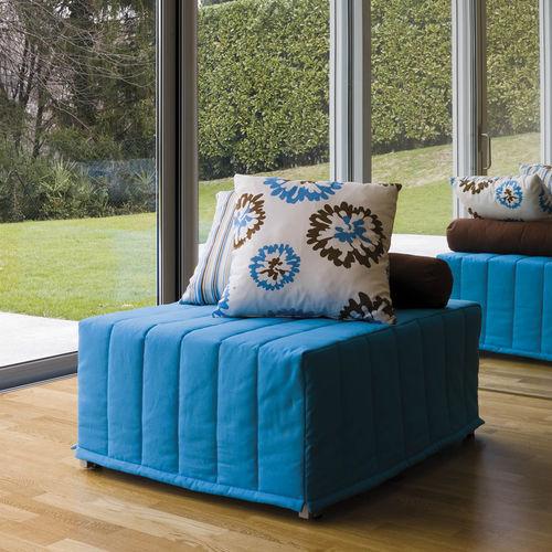 puf moderno / de tejido / cuadrado / cama