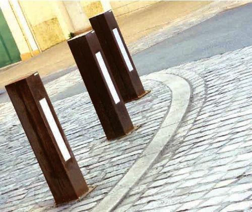 bolardo de iluminación urbano / moderno / de acero / de incandescencia