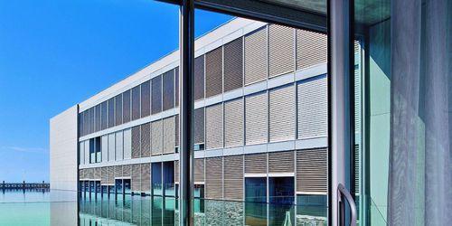 Celosía con lamas de aluminio / para fachada / para ventana / orientable METALUNIC GRIESSER