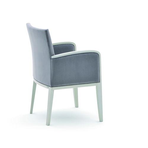 sillón moderno / de tejido / de madera maciza / tapizado