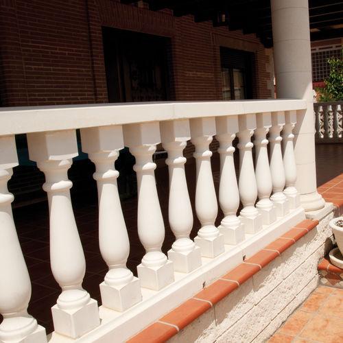 balaustrada de piedra reconstituida / de exterior / para terraza / para balcón