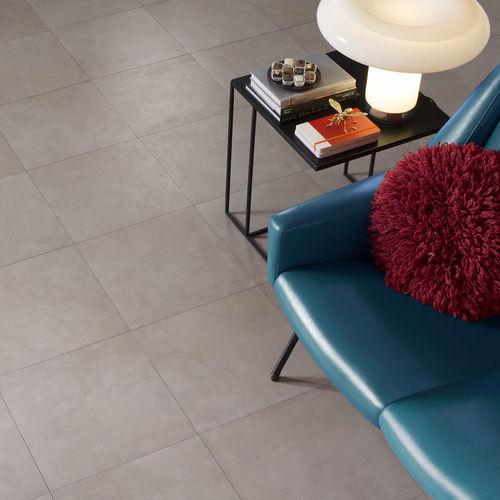 Baldosa de suelo / de gres porcelánico / de color liso / de efecto hormigón DOMUS : TAUPE Novoceram sas
