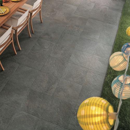 Baldosa de exterior / de pared / de suelo / de gres porcelánico GEO : GRIS Novoceram sas