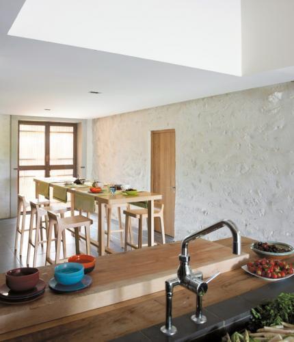 mesa alta moderna / de roble natural / rectangular / para hotel