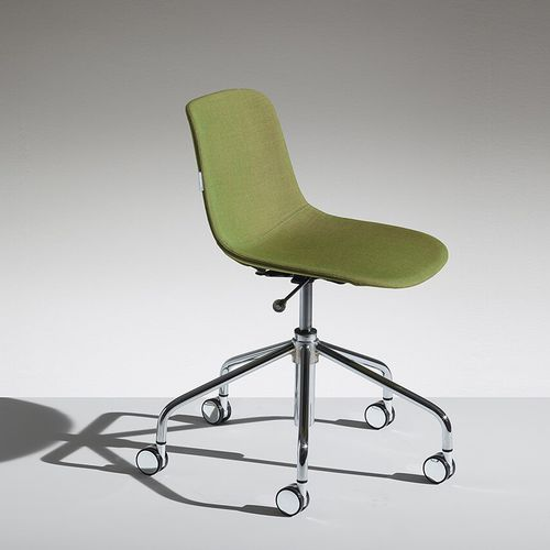 silla de oficina moderna / con ruedas / ajustable en altura / con patas en forma de estrella