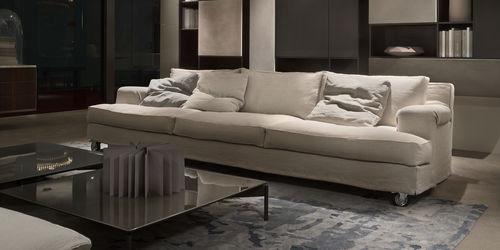 sofá moderno / de tejido / 3 plazas / con ruedas