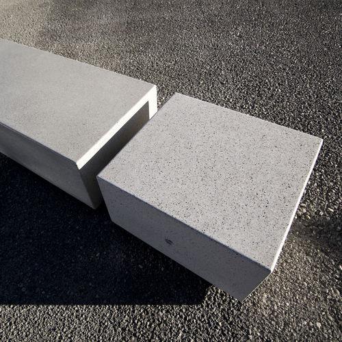 Banco público / moderno / de mármol / de piedra reconstituida KUBB BELLITALIA