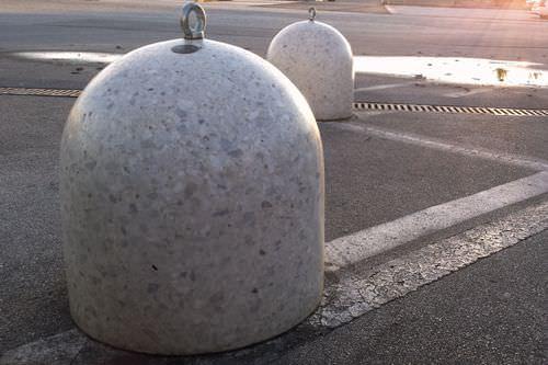 Bolardo antiaparcamiento / de mármol / de hormigón / fijo TITANO BELLITALIA