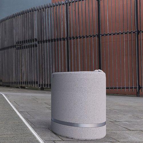 cubo de basura público / de hormigón / de mármol / moderno