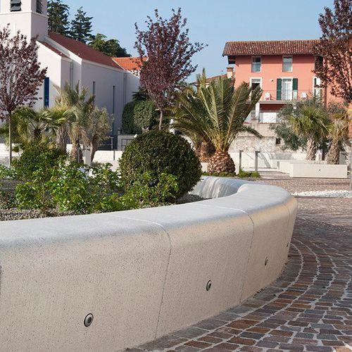 Jardinera de mármol / de piedra natural / redonda / con banco integrado CASSIOPEA BELLITALIA