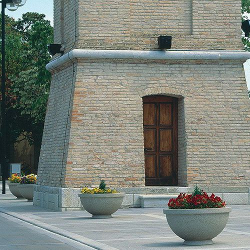 Jardinera de acero / de mármol / de piedra natural / redonda MUG by Achille Zilli BELLITALIA
