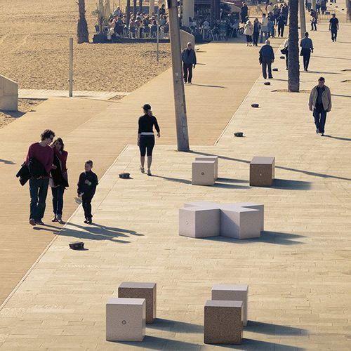 taburete moderno / de piedra reconstituida / de mármol / para espacio público