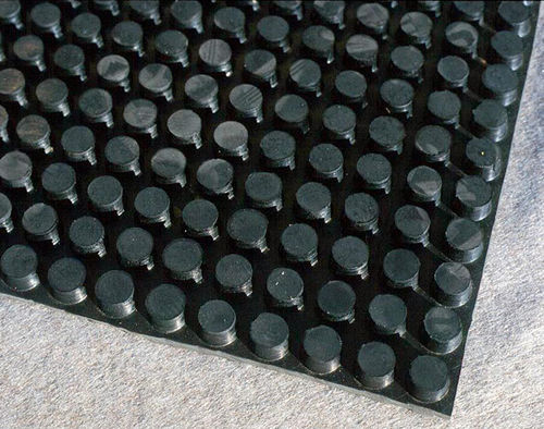 membrana de drenaje de caucho / para drenaje / para superficies muy resistentes / para cubierta plana