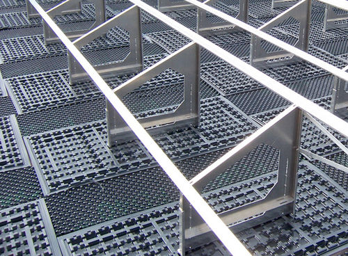 Estructura de soporte para cubierta vegetal / para techo plano / para aplicaciones fotovoltaicas SGR 35/90 ZinCo GmbH