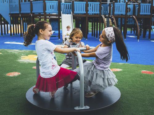 juego giratorio para niños / para parque infantil