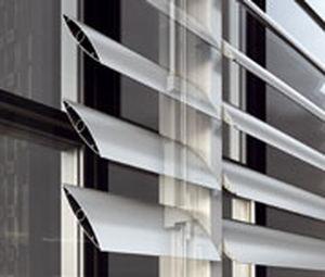 Celosía con lamas de aluminio / para fachada / horizontal M5600 ALUMIL S.A.