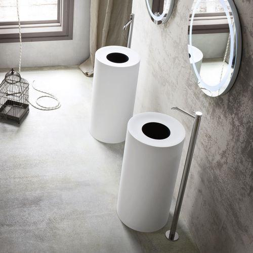 lavabo de pie / redondo / de material compuesto / moderno