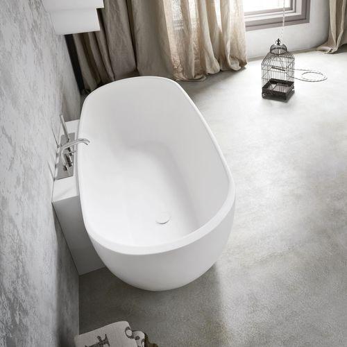 bañera independiente / ovalada / de material compuesto