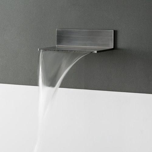 caño para bañera de metal