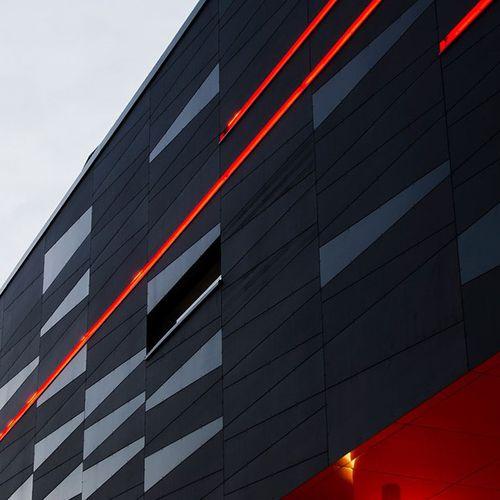 revestimiento de fachada de material compuesto / liso / de paneles / a medida