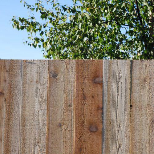 valla de jardín / con barrotes / de madera / ecoetiqueta FSC