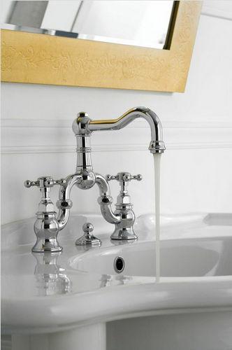 grifo mezclador para lavabo / de libre instalación / de níquel / de metal cromado