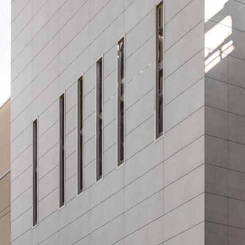 revestimiento de fachada para fachada ventilada / de cerámica / pulido / de paneles