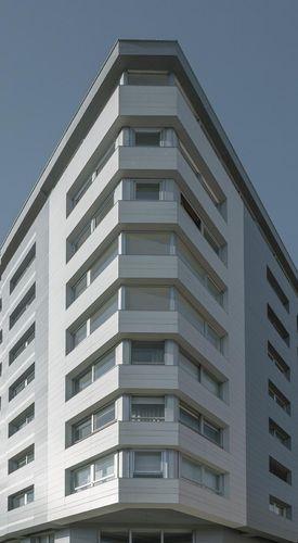 Revestimiento de fachada de cerámica / liso / para fachada ventilada COLLECTION: PERLA LAMINAM