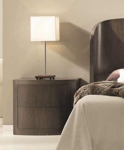 mesilla de noche moderna / de nogal / rectangular / con cajón