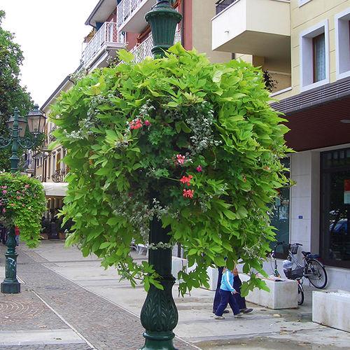 soporte para jardinera suspendida para espacio público
