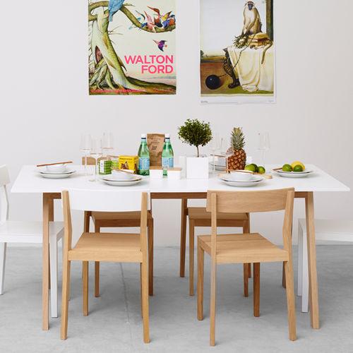 Mesa de comedor moderna / de roble / de MDF / de madera pintada ANGLE by Sara Larsson A 2 designers